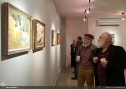 People visit a group painting exhibition at Tehran's Laleh Gallery on December 1, 2019. (Honaronline)