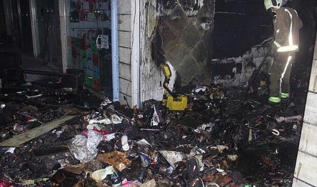 آتش به جان انبار و فروشگاه کفش افتاد