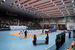 تیم ملی فوتسال اسلواکی بعد از بازی با ایران بدون لباس ماند!