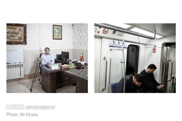 در واگنهای مترو جایگاه اختصاصی برای معلولان وجود دارد اما بسیاری از مردم به این مساله بیتوجهی میکنند و در این چایگاهها مینشینند و جایی برای معلولان نمیماند. معلولان مجبور میشوند در ساعتهای شلوغ مترو بایستند و فشار جمعیت معمولا به آنها آسیب میزند