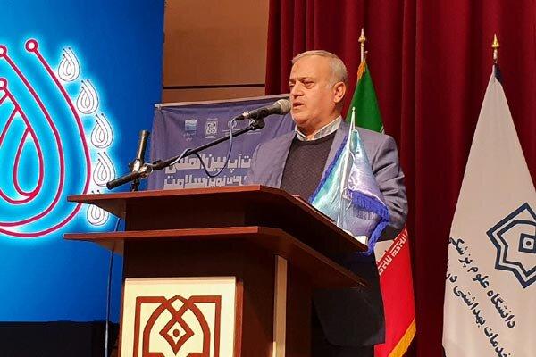 ایران در تبدیل علم به ثروت از قافله جهانی عقب مانده است