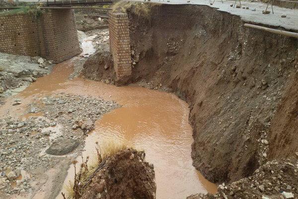 ۱۵۰ دانش آموز روستای «سرنجه زیودار» پلدختر گرفتار قطعی راه شدند