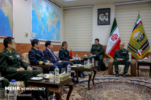 Meeting of Iran, China high-ranking military officials