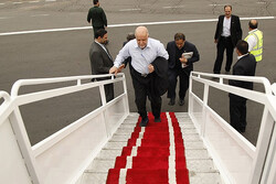 Iran's Zanganeh departs for Moscow to hold energy talks