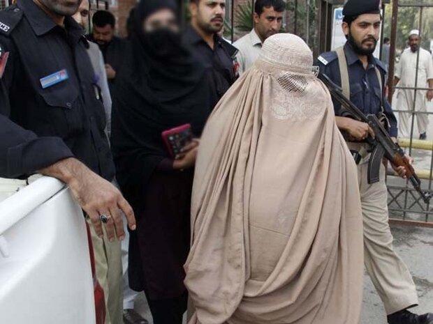 پشاور پولیس نے افغان دہشت گرد خاتون کو گرفتار کرلیا