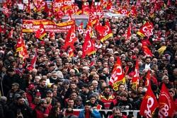 درخواست اتحادیههای کارگری فرانسه برای توقف اعتصابات در کریسمس