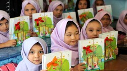 UNHCR welcomes Iran's efforts to extend education for refugees
