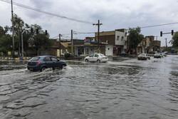 ترافیک سنگین در آزادراه قزوین-کرج/ محورهای کرمان بارانی است