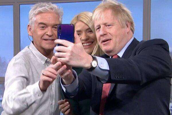 گوشی هواوی نخست وزیر انگلیس جنجال آفرین شد