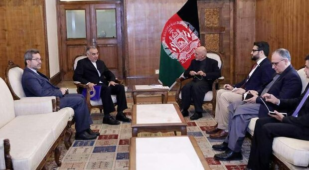 Iranian envoy, Ashraf Ghani discuss mutual relations