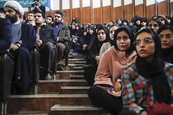 انتقاد از ندادن تریبون به تشکلهای دانشجویی در مراسم آغاز سال تحصیلی/ در برابر سیاستزدایی بایستید