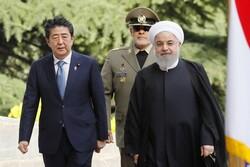 رئيس الوزراء الياباني: طوكيو مستعدة لزيارة الرئيس الايراني