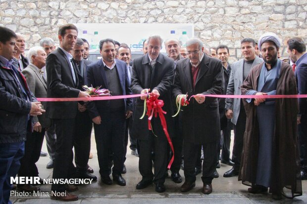 Inaugurating projects in Aras free trade zone