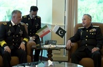 Iranian, Pakistani navy chiefs discuss ties in Islamabad