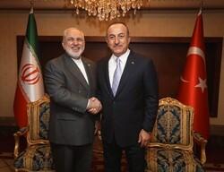 Zarif, Türkiye ve Katar dışişleri bakanları ile telefonda görüştü