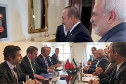 Zarif İstanbul'da Türk mevkidaşı Çavuşoğlu ile görüştü