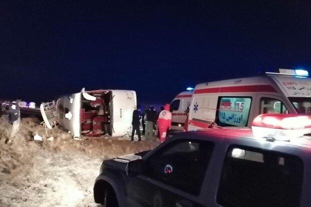 واژگونی اتوبوس اسکانیا در محور دامغان-سمنان/ ۲۴ نفر مصدوم شدند