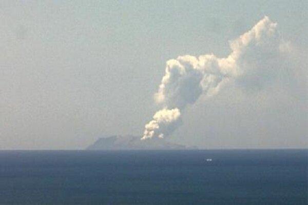 نيوزی لينڈ کے سیاحتی جزیرے تش فشاں پھٹنے سے 5 افراد ہلاک