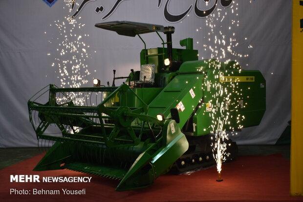 رونمایی از نخستین خط تولید کمباین ایرانی برداشت برنج در اراک