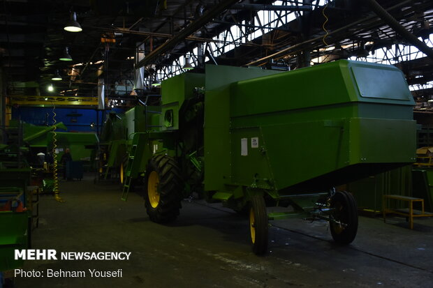Opening production line of homegrown rice combine harvester