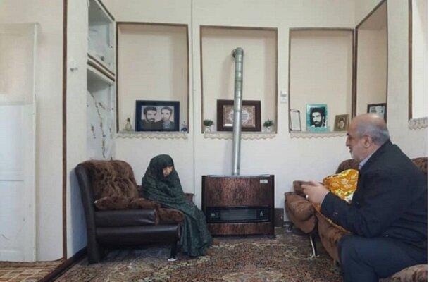 فرمانده سپاه قدس گیلان با خانواده شهید رحیمی دیدار کرد