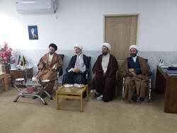 کارکنان اداره کل تبلیغات اسلامی با نماینده ولیفقیه در لرستان دیدار کردند