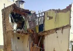 ریزش ساختمان دو طبقه قدیمی در خیابان خاوران