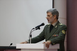 Defense chief: No force capable of countering Iranian nation