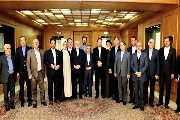 دیدار رئیس و جمعی از اعضای کمیسیون امنیت ملی مجلس با ظریف