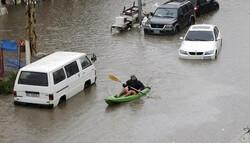 لبنان میں طوفانی بارشوں کے بعد بیروت کی سڑکوں پر سیلاب کی صورتحال