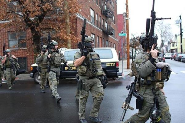 تیراندازی در نیوجرسی آمریکا/ شش تن از جمله یک مأمور پلیس کشته شد