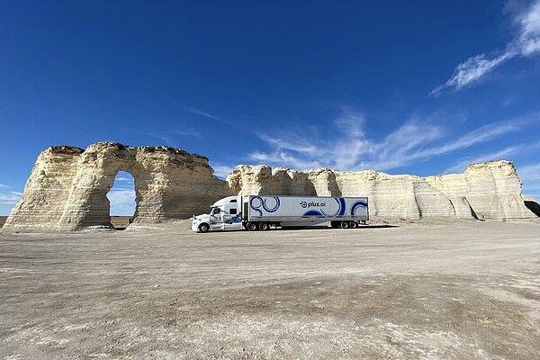 کامیون خودران ۲۸۰۰ مایل سفر کرد