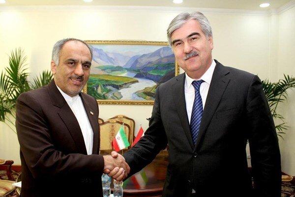 Iran, Tajikistan stress boosting economic ties