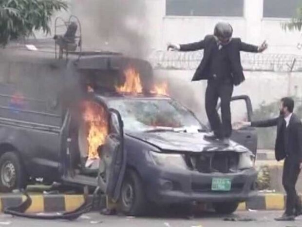 لاہور میں امراض قلب کے اسپتال پر وکلا کے حملے میں پولیس کی کوتاہی کا انکشاف