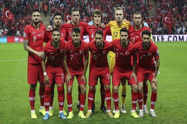UEFA'dan Türkiye'ye 'asker selamı' cezası