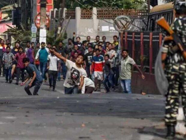 بھارت میں مظاہرین کا وزیر داخلہ اور اترپردیش کے وزیر اعلی کے استعفی کا مطالبہ
