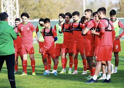 محرومیت بازیکن نفت آبادان به دلیل غیبت در اردوی تیم امید