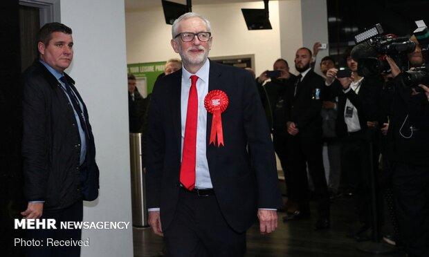 İngiltere'de sandıktan Boris Johnson çıktı