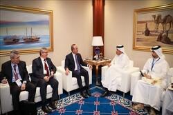تشاووش أوغلو يلتقي نظيره القطري في الدوحة