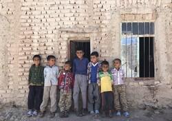 توزیع ۲۱۰ هزار دست لباس نو در مناطق محروم کشور