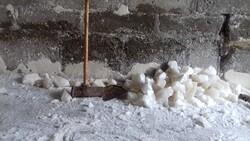محلهای با اقتصاد نمکی در تبریز/خیابان حجتی قطب فروش سنگ نمکی است