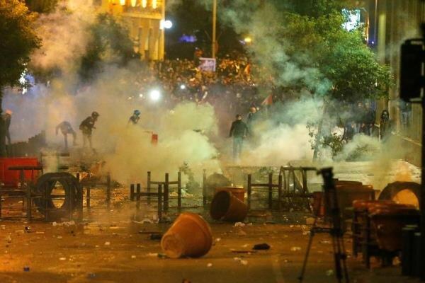 Lübnan'da gösteriler devam ediyor