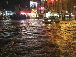 Heavy torrential rainfalls hit Ahvaz