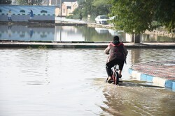کوت عبداللہ میں پانی سڑکوں پر جمع ہوگیا