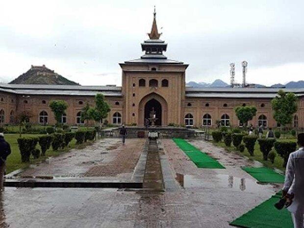 مساجد، فعالترین مراکز تأمین دارو و کپسولهای اکسیژن  در کشمیر