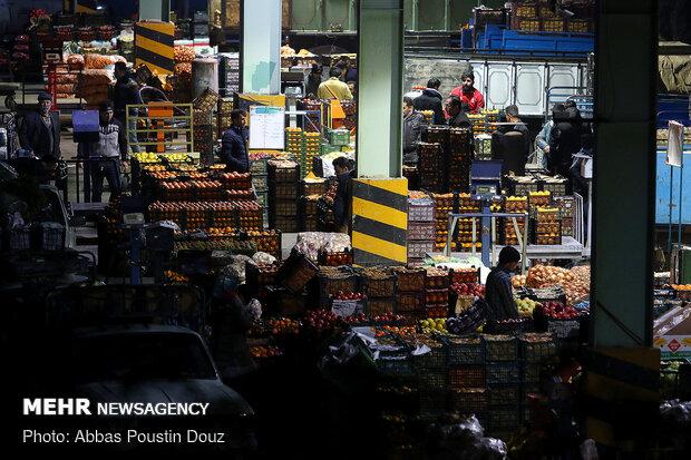 عرضه میوه شب یلدا در بازارمیوه و تره بار اصفهان