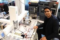 """باحث إيراني يتمكن من صنع """"رقاقة اعضاء"""" تساعد لإيجاد علاج مرض """"الإيبولا"""""""