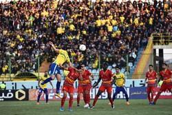 اخطار تند به چهار باشگاه/توبیخ دروازهبان سابق تیم ملی بخاطرتوهین