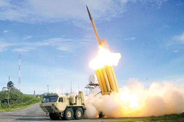 اللحظات الأولى من اطلاق الصواريخ على قاعدة عين الأسد