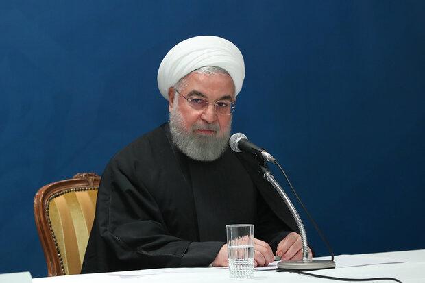 Ruhani: ABD'li yetkililer zarar dolu yoldan geri döneceklerdir